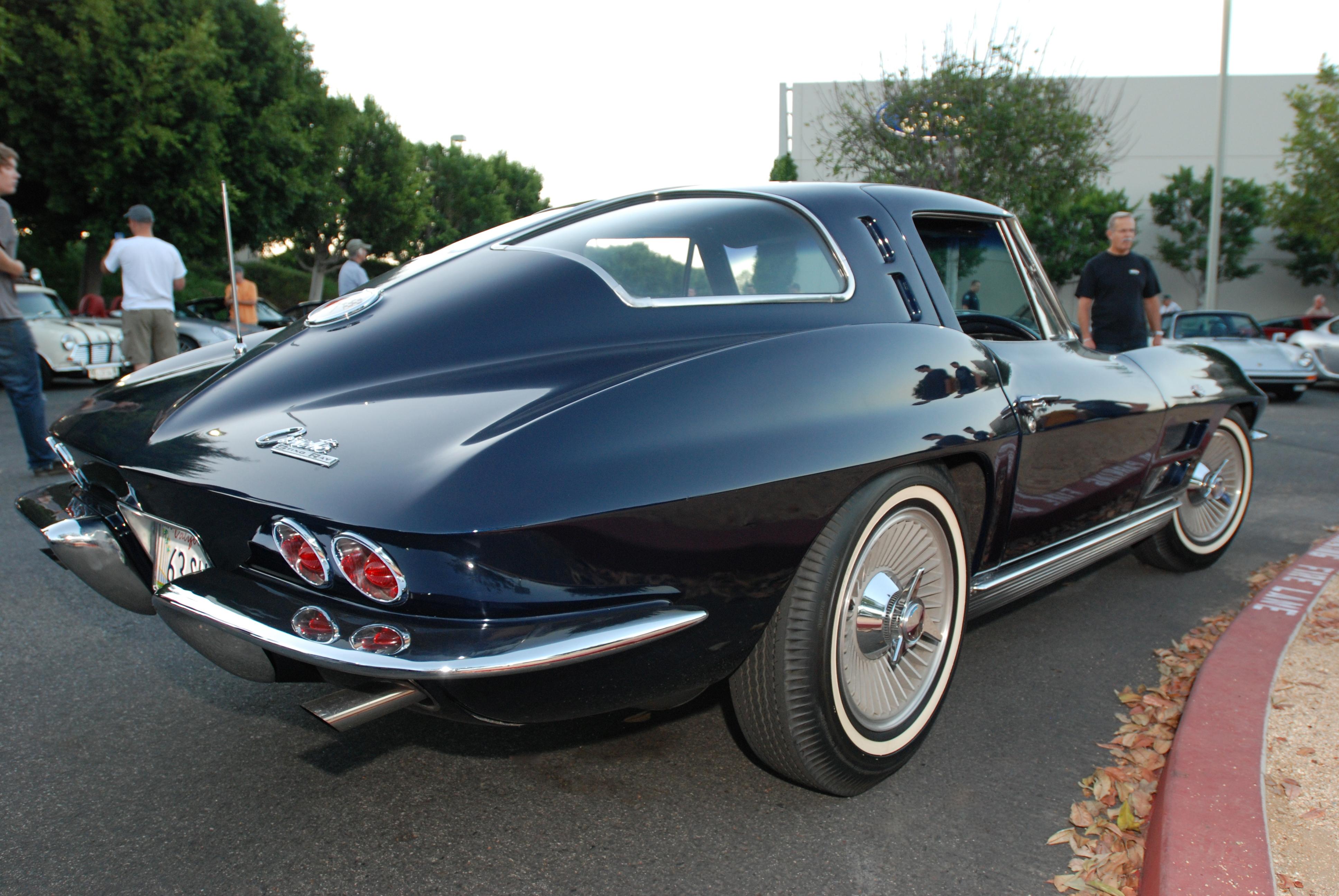 Split Window Corvette >> 1963 Chevrolet Corvette Sting Ray | digitaldtour