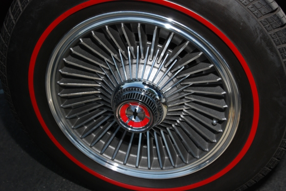 1967 427 Corvette Sting Ray roadster_wheel detail and red striped tire_cars&coffee/irvine_10/05/13