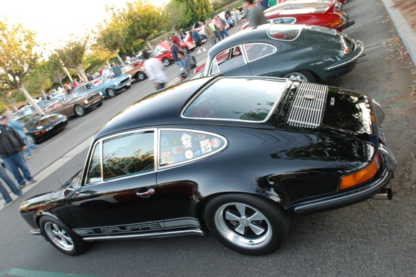 Black 1970 Porsche 911S_ RGruppe member_3/4 rear view w/reflections_cars&coffee_10/19/13