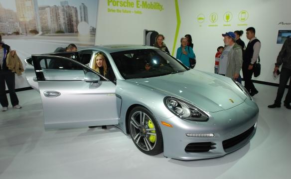 Silver 2014 Porsche Panamera S E-Hybrid_3/4 front view_LA Auto Show_November 23, 2013