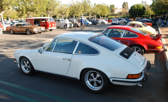 Grand Prix white 1972  Porsche 911GT_3/4 side view_cars&coffee_ December 14, 2013