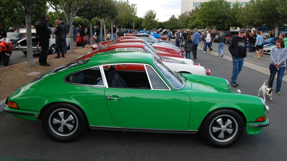 Viper Green 1973 Porsche 911S_side view, group photo_cars&coffee_ December 28, 2013