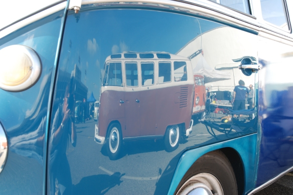 Early 1960s Microbus / blue body panels & white roof _ door reflection_OCTO Winter meet_Long Beach , CA_February 8, 2014
