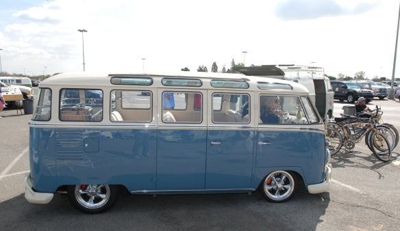 Late 1950s Type 2 in Dove Blue & Linen white_side view w/reflections_OCTO Winter meet_Long Beach , CA_February 8, 2014