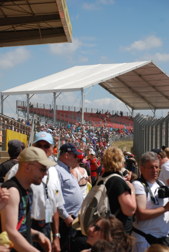 Dunlop Bridge grandstands _Le Mans24_June 14, 2014