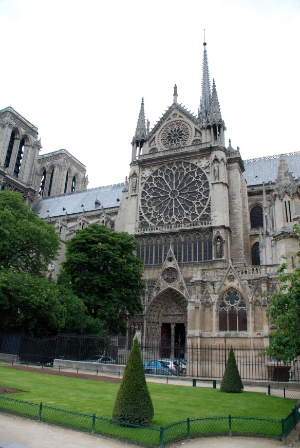Notre Dame_Side view_Paris_June 9, 2014