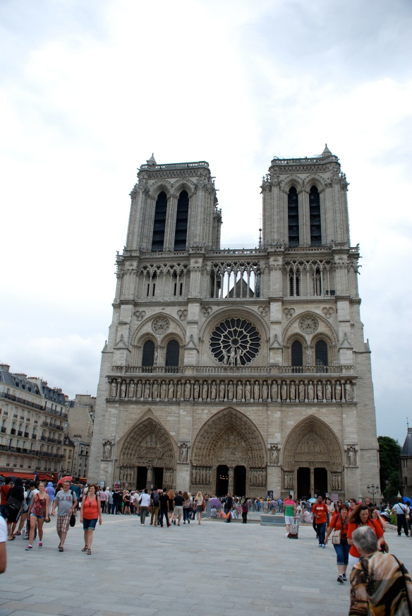 Notre Dame_Front view_Paris_June 9, 2014