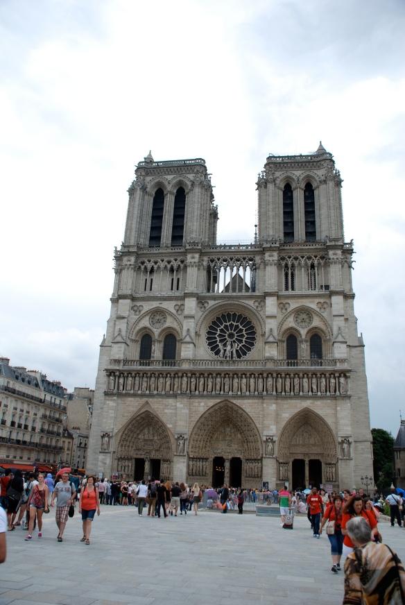 Notre Dame_Front view_Paris_June 9, 2014