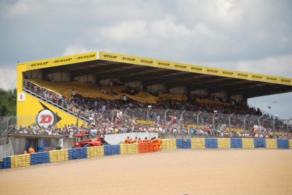 Dunlop grandstand_Le Mans24_June 14, 2014