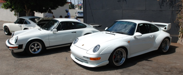 White Porsche 993 GT2_group shot_86 carrera & Singer 911_ Luftgekuhlt event_Sunday September 7, 2014