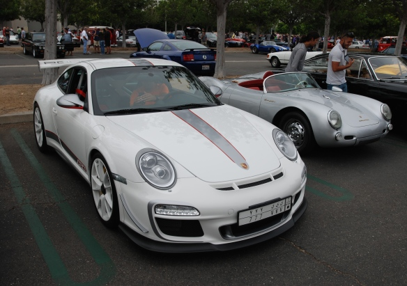 White 2011 Porsche GT3 RS4.0_3/4 front view_passenger side_cars&coffee_August 2014