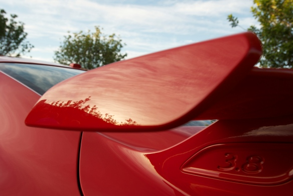Red Porsche 991 GT3_rear wing endplate with reflections _cars&coffee_October 4, 2014